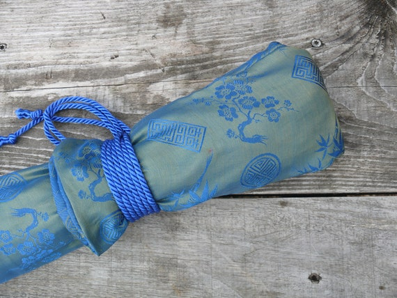 SALE: Silk Flute Bag, Padded & lined with a Vapor Barrier, Iridescent Lime/Sea Blue color- for 19-22 inch flute- 1.8 shakuhachi flute bag