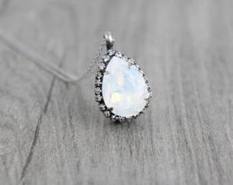 White opal necklace, Crystal Bridal necklace, Bridesmaid necklace, Opal necklace, Swarovski crystal necklace, Bridal jewelry, Wedding jewels