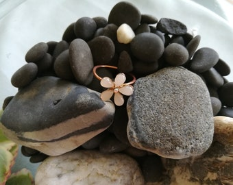 Just in bloom, adjustable copper ring, casual and easy to wear.