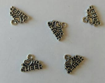 USA Seller..Lot of 5 I Love to Cheer Charms. 1 1/2 cm