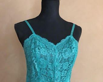 Vintage Vanity Fair Slip - Green nylon & Lace - Vintage Lingerie
