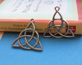 8 Large Triquetra Irish Celtic Knot Trinity Pendants Antique Silver Tone Very Large Charms Jewelry Great For Earrings 32x29mm