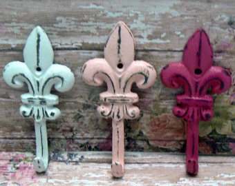 Fleur de lis Cast Iron White Pastel Bold Berry Pink Mini FDL Set 3 Small Wall Hooks French Paris Shabby Elegance Leash Jewelry Key Nursery