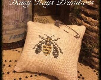 Primitive Summer Pillow Tuck | Farmhouse Decor | Pin Keep | Primitive Stitchery | Bee | Cross Stitch | Daisy Kays Primitives | Rusty Pin