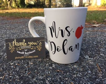 Teachers Coffee mug, Christmas gifts for teachers, personalized coffee cup with apple, teachers gift
