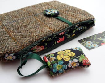 Harris Tweed Purse, Wool Purse, Tweed Purse, Travel Purse, Zip Purse, Herringbone, Pouch, Wallet, Purse, Camera Case, Phone Case, Flowers