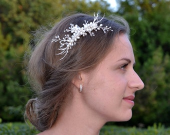 Bridal hair comb Crystal hair comb Bridal comb Pearl hair comb Wedding Hair piece Bridal headpiece Wedding hair accessories Black Friday