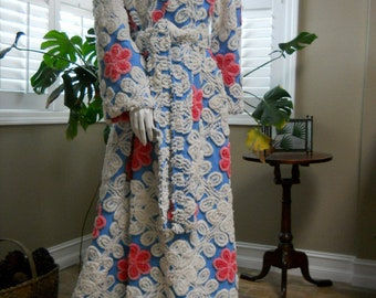Vintage look robe housecoat from chenille bedspread blue pink flowers bathrobe dressing gown
