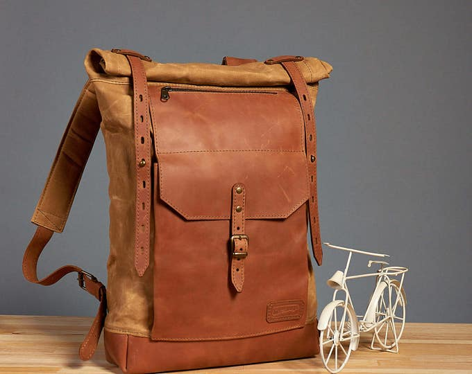 Waxed canvas school backpack. Large version.