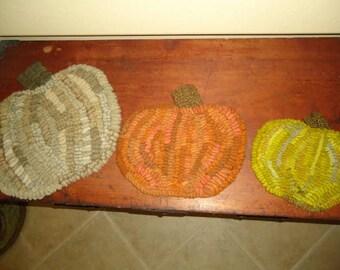 Pumpkins (set of 3 for hotpads) rug hooking pattern on linen