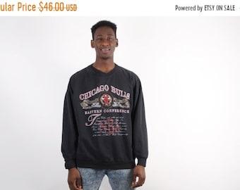 Closing SALE 55%  - 90s Chicago Bulls Sweatshirts - Chicago Bulls Football - NFL Sweatshirt - 1588