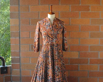 Paisley Secretary Dress / Kay Windsor Dress / 1970's / Paisley Dress / Paisley Print