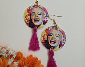 Marilyn Monroe pendant paper earrings with fuchsia cotton tassels