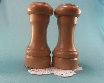 Vintage Wood Salt and Pepper Shakers Country Kitchen Farmhouse Rustic Decor SP Collectible Wooden Shaker Woodpecker Wood Ware Hand Decorated