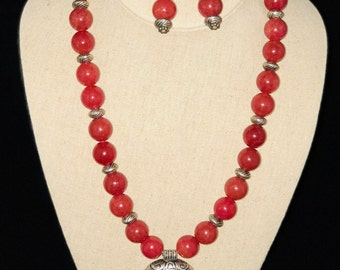 AJ184 - Define your style with this carnelian necklace set. Perfect for a gift!!!