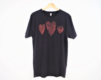 Nature Lover Leaf Print Heart T-Shirt Navy Blue 100% Organic Cotton Bleach Dyed Fair Trade Hand Dyed Climate Neutral Sustainable Fashion