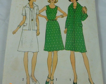 6856 Simplicity Contains Two Sizes 18 1/2 & 20 1/2 Bust 41 43 Half Size Unlined jacket in Two Lengths Dress in Half Sizes 1975 Pattern Uncut