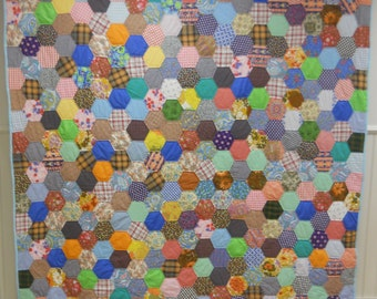 "Excellent ""Baby Boomer""  Americana!  Homemade, Honycomb or Hexagon Quilt.   1950s-1960s,  Never Used!"