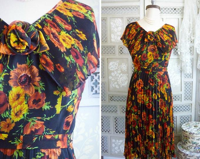 Long retro dress, poppy print