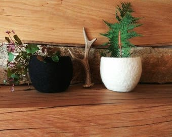 Set of two Black and White wool bowls Felt ring bowl Bridesmaid gift Herb planter Catch all Desk organizer Jewelry storage Plant pod For Mom