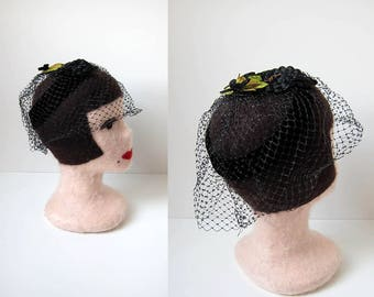 1950s vintage black green velvet grape halo netted french veil blusher facinator topper hat