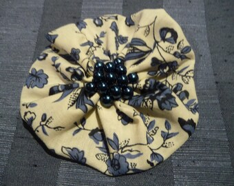 Hair Domayne Blue Cream floral Hairclip with dark blue pearls in centre