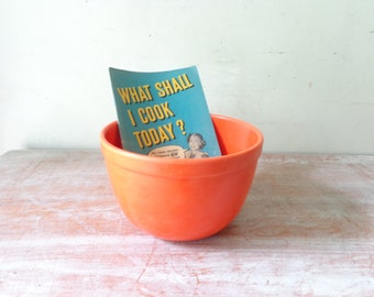 VIntage Eon Bakelite Mixing Bowl in Retro Orange