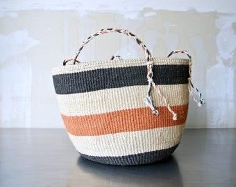 Large Vintage Raffia Bucket Bag - Hand Woven Bag - Tribal Bucket Bag - Vintage Straw Bag - Beach Bag - Tote - Boho - African Bucket Bag