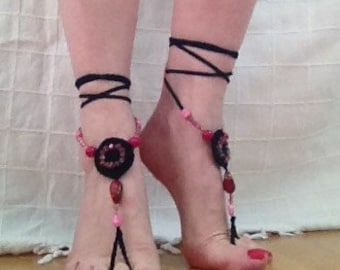 Crochet and beaded barefoot sandals black and pink