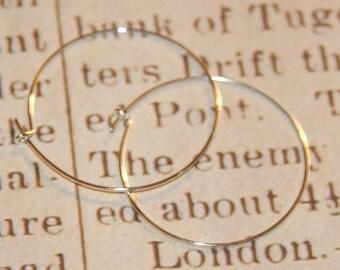 Hoop earrings in silvery metal 25mm