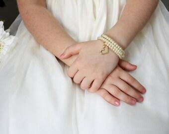 Flower Girl Gift - Gold Heart - Pearl Bracelet - Flowergirl Bracelet - Charm Bracelet - Lydia