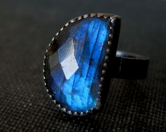 Labradorite ring / sterling and labradorite ring / labradorite jewelry / blue gemstone ring / rose cut labradorite / ready to ship