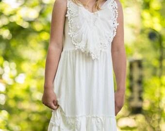 White Flower girl dress, girls lace dress, rustic flower girl dress, boho flower girl dress, beach flower girl dress, dollcake white dress