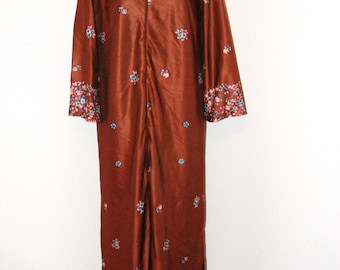 Vintage 1970s Brown Floral Print House Dress