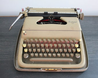 Everest K2 Working Typewriter Vintage Portable Manual Typewriter with Original Instructions and Key
