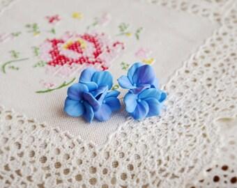 Hydrangea earrings, hydrangea studs, hydrangea jewelry, blue hydrangea, flower studs, flower touch, hydrangea flower, floral botanical studs