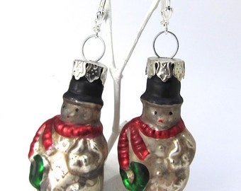 Snowmen Glass Ornament Earrings, Vintage Look for Christmas and Winter, Free US Shipping