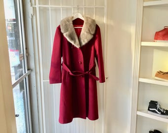 Mink Fur Collar Coat M/L / Belted Coat / 60s Wool Coat / Vintage Wool Coat / Burgundy coat / Maroon wool coat / Purple winter coat