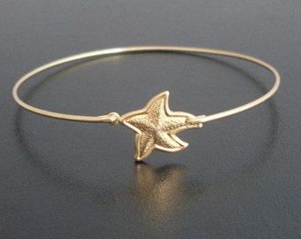 Starfish Jewelry, Starfish Bracelet, Beach Themed Jewelry, Beach Gift, Starfish Charm Bangle Bracelet, Sea Star Bracelet, Star Fish Bracelet