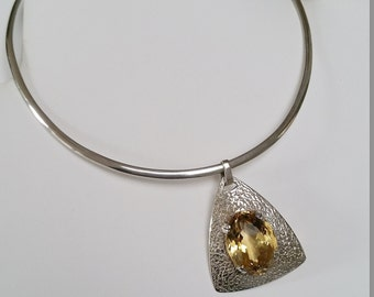 Mid 20th Century Modernist Citrine and hammered silver pendent on sterling silver omega