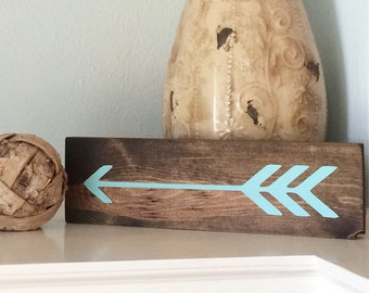 Distressed hand painted arrow wood sign