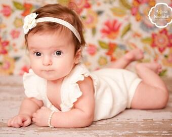 Flower girl gift personalized pearl bracelet  kids jewelry bracelet  monogram  - baby girl pearl bracelet - flower girl junior bridesmaid