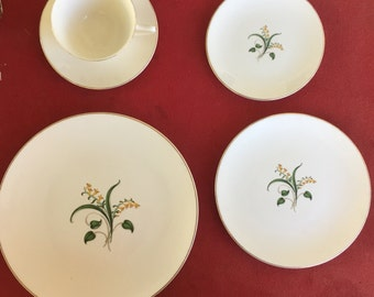 Vintage Edwin Knowles Forsythia 5 piece place setting