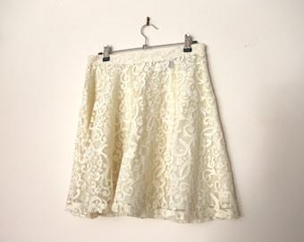 Vintage 1990s Cream White Lace Floral Flower Skater Skirt Circle Skirt Flared Flippy High Waisted Mini Skirt with Zipper