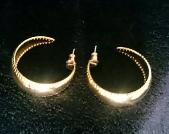 Vintage Gold Hoops Earrings 1980s