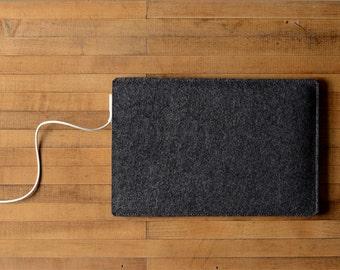 """Simple MacBook Air / MacBook Sleeve - Charcoal Felt - Short Side Opening for 11"""" MacBook Air, 13"""" MacBook Air or 12"""" MacBook"""