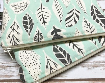 Reusable Snack Bag ~ Reusable Sandwich Bag ~ Reusable Lunch Bag ~ Eco Friendly ~ Water Resistant ~ Zipper Pouch in Leaflet Eucalyptus