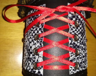 Corset style wrist cuff