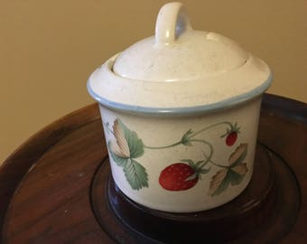 Savoir Vivre Luscious Pattern Sugar Bowl and Lid