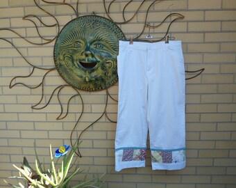 Women's White Capri Pants with Vintage Patchwork Border size 12